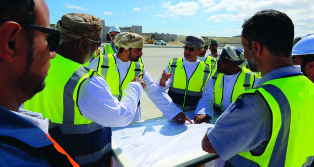 مجلس إدارة هيئة المنطقة الاقتصادية الخاصة بالدقم يطلع على سير العمل بعدد من المشاريع