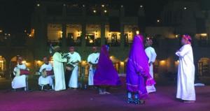 تواصل فعاليات المهرجان الغنائي لإذاعة صوت الريان على مسرح عبدالعزيز ناصر بالدوحة