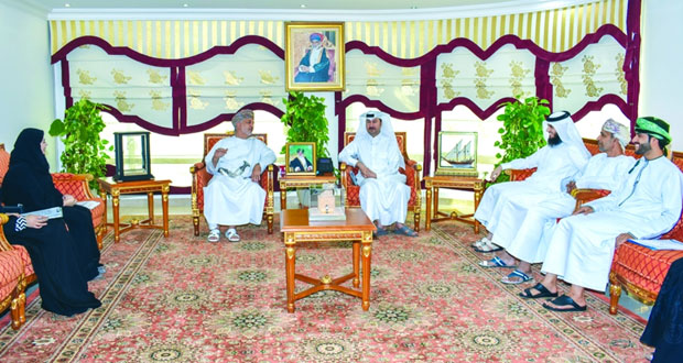 وفد قطري يطلع على تجربة السلطنة فـي العمل الاجتماعي