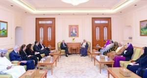 بحث سبل تعزيز مجالات التعاون بين السلطنة والولايات المتحدة