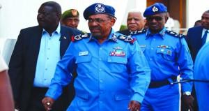 السودان: البشير يؤكد أن حل المشكلات الاقتصادية يحتاج لصبر وحكمة