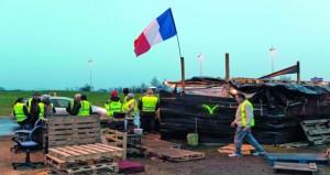 فرنسا: تراجع مستوى التعبئة في التحرك الخامس لـ (السترات الصفراء)