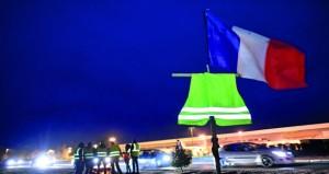 الحكومة الفرنسية تسابق الزمن لاحتواء أزمة (السترات الصفراء)