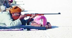 دائرة الشؤون الرياضية بمحافظة الوسطى تنظم مسابقة الرماية بالأسلحة التقليدية