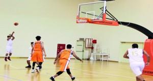 في دوري عام السلة.. قريات يحقق فوزا مثيرا على حساب منافسه صحار 53/48