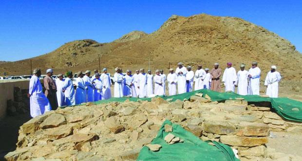 المواقع الأثرية بمحافظة الظاهرة تستقبل الزيارات الميدانية
