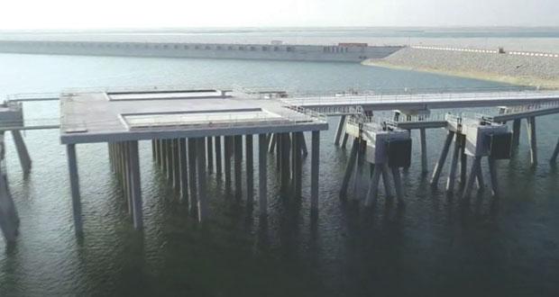 دخول مياه البحر لحوض الرصيف النفطي