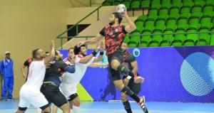 مسقط يحتفظ بصدارة الترتيب العام بفوزه على نادي عمان واليوم ثلاث مباريات في دوري اليد