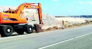بدء تنفيذ المرحلة الأولى من أعمال إنارة الطرق الداخلية بجزر الحلانيات