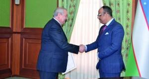 وزير خارجية أوزبكستان يتسلم نسخة من أوراق اعتماد سفير السلطنة