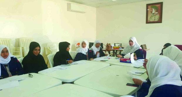 الكشافة والمرشدات تناقش استعداداتها لتنظيم المخيم الخليجي للمرشدات