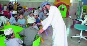 مختبر الطفل ببيت الزبير يقيم عددا من الحلقات الأدبية في عدد من محافظات السلطنة