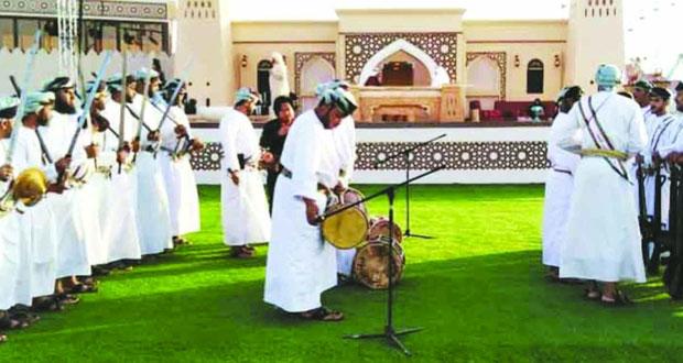 فرقة إزكي للفنون الشعبية تختتم مشاركتها بمهرجان الشيخ زايد التراثي