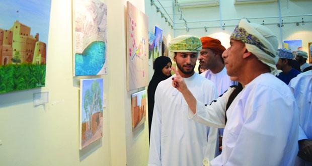 """100 لوحة فنية معرض """"جمال عمان """" بصحار"""