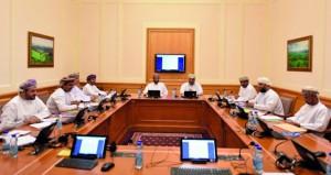 """""""شبابية الشورى"""" تناقش تقرير متابعة تشغيل القوى العاملة الوطنية"""