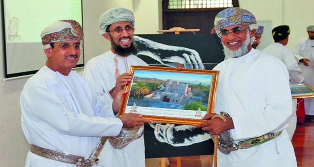 (447) ألف ريال عماني استفادت منها (2200) أسرة في مشروع الوقف الخيري بالرستاق العام الماضي