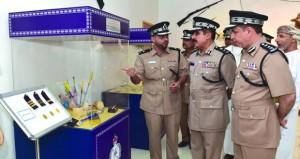 شرطة عمان السلطانية تحتفل باليوم العالمي للجمارك