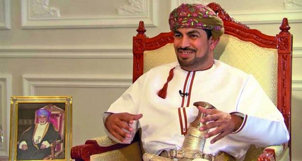 رئيسُ الهيئةِ العامةِ للإذاعةِ والتلفزيون: العمانيون يعيشون اليومَ في دولةٍ عصريةٍ حديثةٍ ويَضعون وطنيتَهم فوقَ كلِ اعتبار