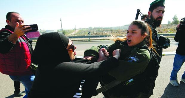 الفلسطينيون يطالبون بحماية دولية لأسراهم