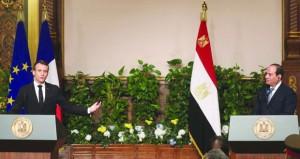 مصر: السيسي يبحث مع ماكرون تعزيز العلاقات ويوقع معه 30 اتفاقا تجاريا