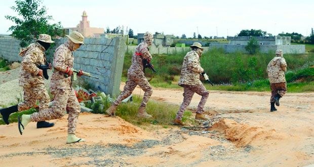ليبيا:إجلاء مئات الأسر العالقة جراء الاشتباكات بطرابلس مع ارتفاع الضحايا