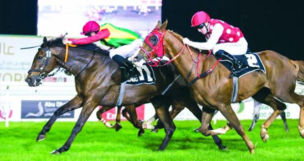 خيول الخيالة السلطانية تواصل تألقها على مضامير سباقات الخيل الإماراتية