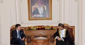 نيابة عن جلالة السلطان .. فهد بن محمود يستقبل رئيس وزراء إيطاليا
