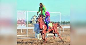 50 فارسا وفارسة في رياضة الخيل التقليدية (العرضة) بالرحبة ضمن الفعاليات الرياضية لمهرجان مسقط