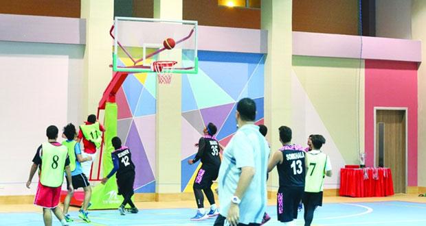 اتحادا السلة والرياضة المدرسية ينظمان مهرجانات لكرة السلة بمحافظتي مسندم والوسطى