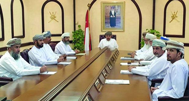 لجنة حصر حصص مياه الأفلاج وتسجيلها بالعدل تناقش تشكيل اللجان الفرعية