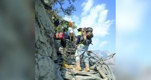 الجبال والأودية في السلطنة وجهة سياحية للكثير من محبي المغامرات