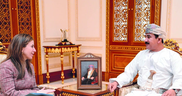 وزير المكتب السلطاني يستقبل وكيلة وزارة الخزانة الأميريكية لشؤون الإرهاب والاستخبارات المالية