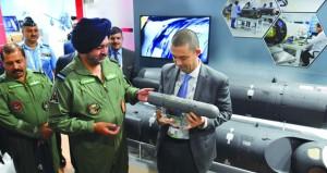 """الجيش الباكستاني يقول إنه سيرد """"بكل قوة"""" على أي هجوم من الهند"""