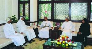 وزير البلديات الاقليمية يستقبل مدير عام مركز الاعتماد الخليجي
