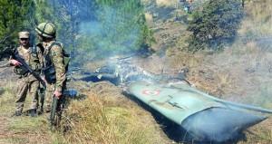 (التوترات الهندية الباكستانية) : نيودلهي تعلن سقوط إحدى طائراتها وإسلام أباد لا تريد تصعيد الأزمة