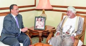 استعراض أوجه التعاون الثنائي بين السلطنة وموريتانيا