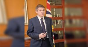 في مؤتمر صحفي لوزير الدفاع البريطاني : العلاقة بين السلطنة وبريطانيا علاقة شراكة ونأمل في المزيد من التعاون