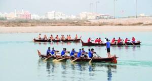 الشؤون الرياضية بجنوب الشرقية تنظم سباق القوارب التقليدية بولاية صور