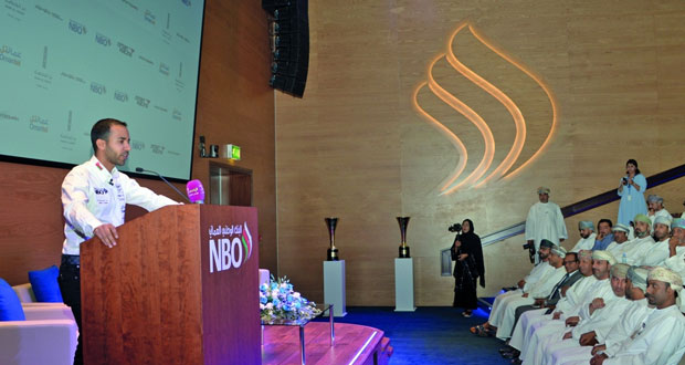 المتسابق أحمد الحارثي يعلن برنامجه وشركاءه للموسم الجديد لسباقات بلانك