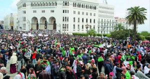 الجزائر: التظاهرات تتواصل ومطالبات للجيش بعدم التدخل