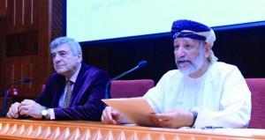 """خبير أممي يسلط الضوء على """"اللغة العربية وصناعة المعرفة"""" في محاضرة بمجلس الدولة"""