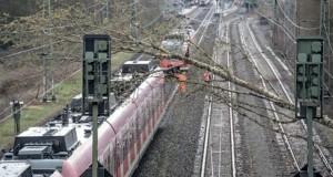 عودة الحركة على بعض الخطوط الحديدية في ألمانيا بعد إغلاقها بسبب إعصار (إبرهارد)