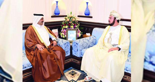 أسعد بن طارق يستقبل السفير القطري
