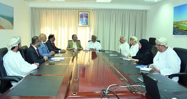 بحث آفاق التعاون التجاري والاستثماري بين السلطنة وباكستان
