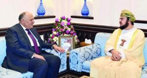 أسعد بن طارق يستقبل وزير الخارجية المصري