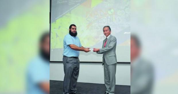 بحث أكاديمي بجامعة السلطان قابوس يقود لصناعة طابوق غير قابل لامتصاص المياه لحماية المباني من الرطوبة