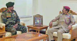 بحث التعاون العسكري بين السلطنة والهند