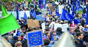 مع احتدام أزمة (بريكست) .. مسيرات في لندن للمطالبة باستفتاء جديد