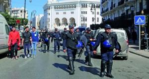 الجزائر: بوتفليقة يقدم أوراق ترشحه ويتعهد بإجراء انتخابات مبكرة