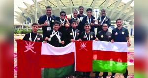 وصول وفد طلبة جامعة السلطان قابوس المشارك في الدورة الرياضية الثامنة بالكويت